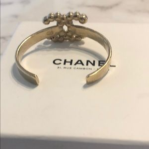 CHANEL Jewelry - Chanel Pearl Antique Gold Bangle